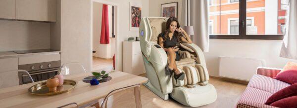Apollo hvid massagstole - banner i stue